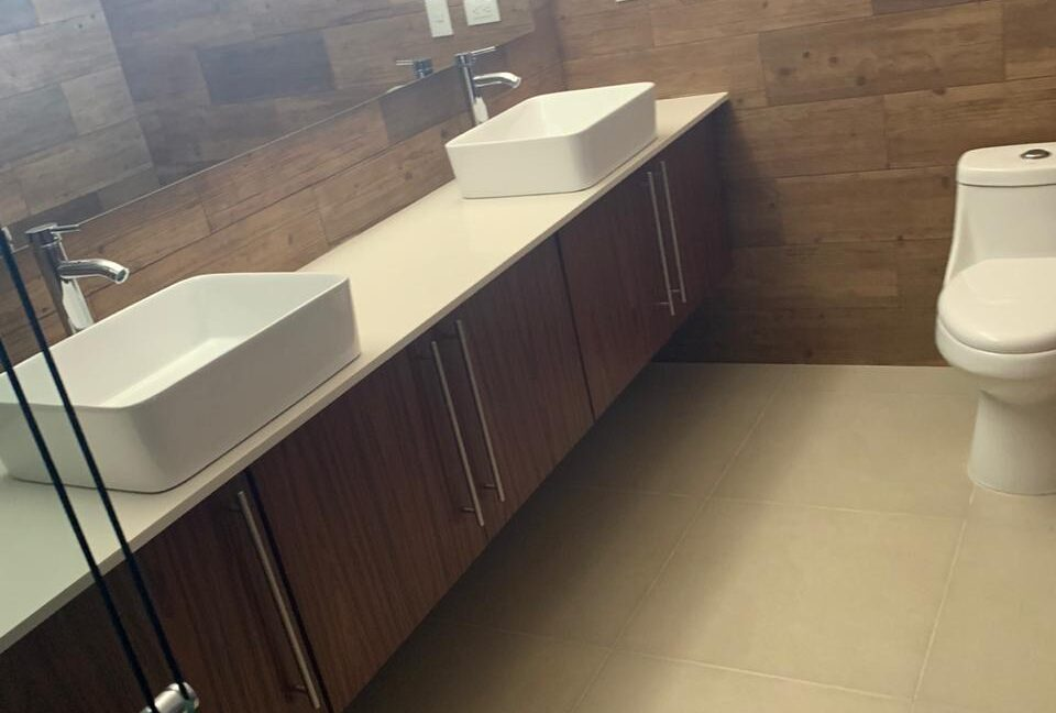 Venta casa 4 recamaras con baño, cto servicio, roof garden Cluster 11 Lomas de Angelopolis Puebla 7