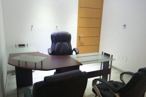 Renta oficina amueblada con terraza Corporativo Angelopolis Lomas de Angelopolis 2